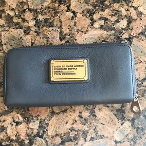Marc by Marc Jacobs leather wallet in Stylish Gray